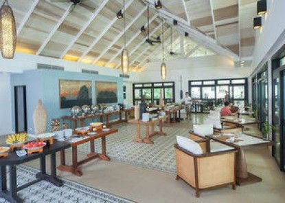Lagen Island Resort