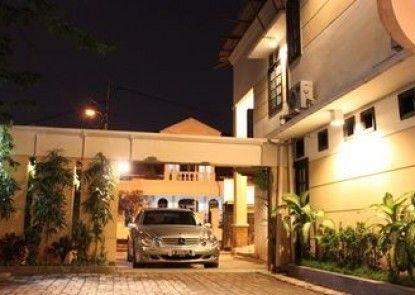 Lagura Residence Teras