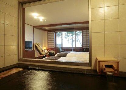 Lakeside Villa Suimeikaku