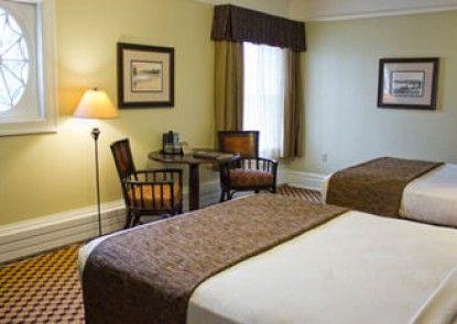 Lake Yellowstone Hotel & Cabins