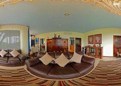 La Mansion Inn