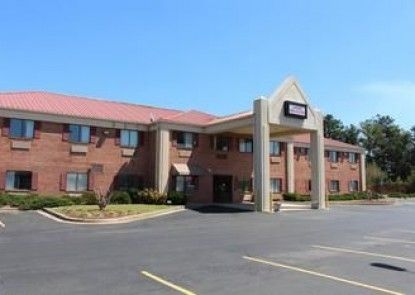 Lamar Inn and Suites