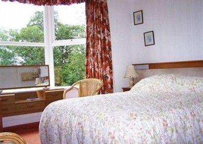 Lanarth Hotel and Caravan Park