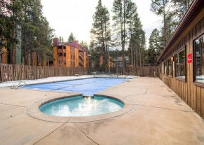 Lances West by Ski Country Resorts