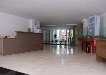 LandLord Apartment Hotel Semarang Lobby