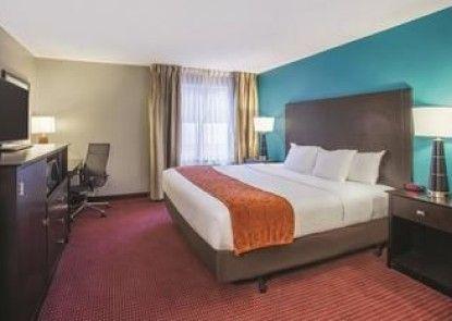 La Quinta Inn & Suites O\'Fallon, IL - St. Louis