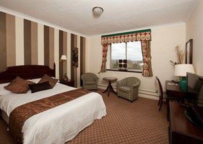 Larkfield Priory Hotel & Restaurant