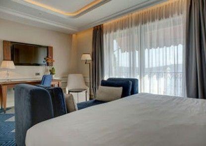 La Roche Hotel