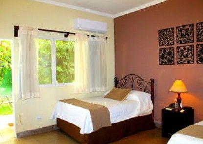 Las Magnolias Hotel