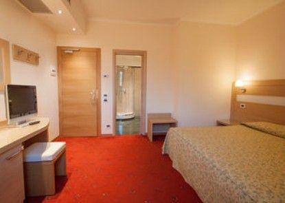 Laurentia Hotel