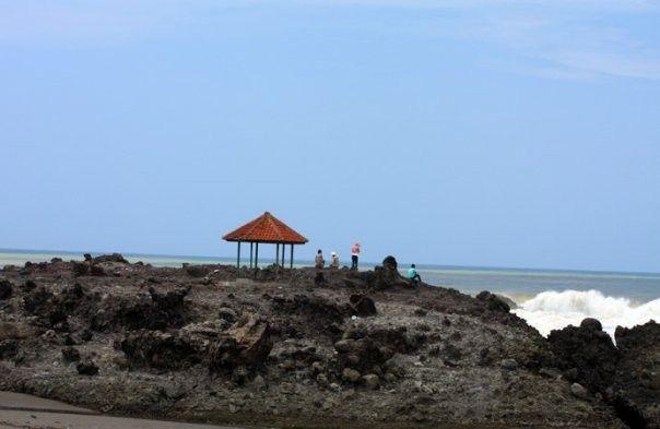 Pantai Karang Paranje