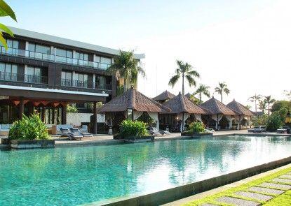 Le Grande Bali Kolam Renang