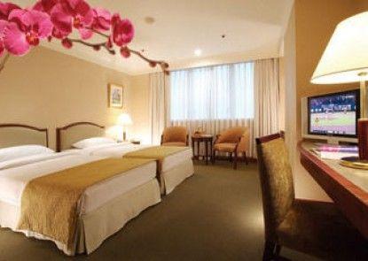 Le Midi Hotel Jungli