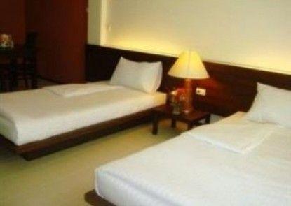 Le Ranong Bistro Hotel