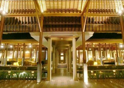 Legian Beach Hotel Lobby