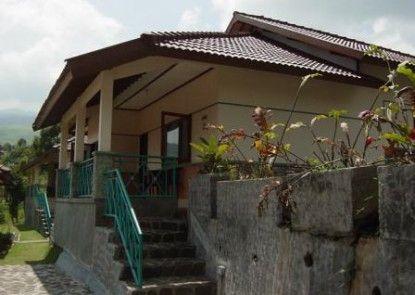 Lembah Sarimas Hotel and Resort Eksterior