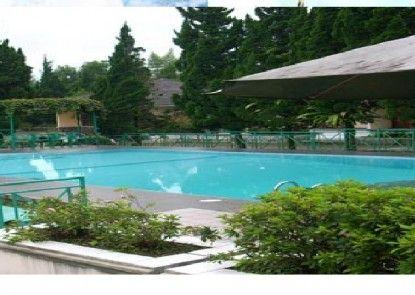 Lembah Sarimas Hotel and Resort Kolam Renang