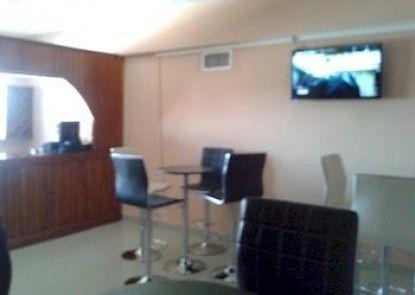 Le Monte Cristo Hotel & Suites