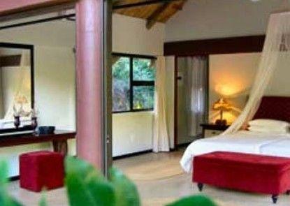 Leopard Walk Lodge