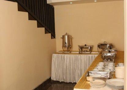 Lerina Hotel & Conference Syariah Banjarbaru Makan Prasmanan