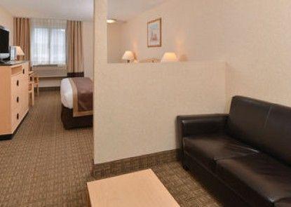 Lexington Inn & Suites - Denver Airport at Gateway Park