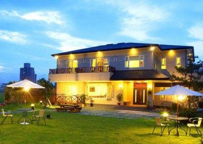 Lian Chun Garden and Spring Villa B and B