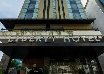 Liberty Hotel Thamrin Jakarta Teras
