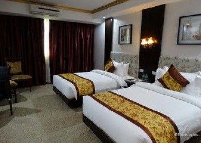 Lido De Paris Hotel
