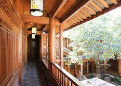 Lijiang Long Win Inn