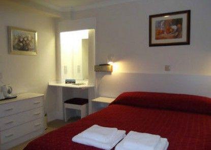 Lindum Lodge - Guest House