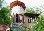 Pesan Kamar Riverview House, Fan di Little Eden Guesthouse