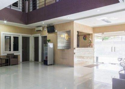 LJ Hotel Sriwijaya Medan Lobby