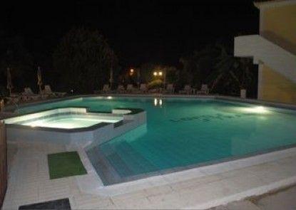 Lofos Strani Hotel