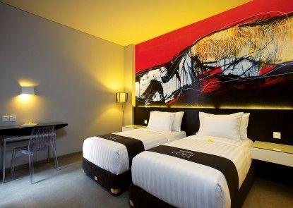 Loft Legian Hotel Kamar Tamu