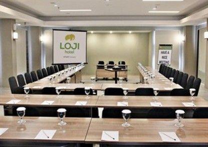 Loji Hotel Solo Ruangan Meeting
