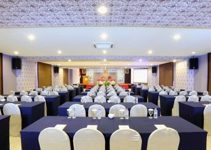 Lombok Plaza Hotel and Convention Ruang Pertemuan
