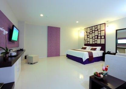 Lombok Plaza Hotel and Convention Kamar Tamu