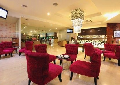 Lombok Plaza Hotel and Convention Teras