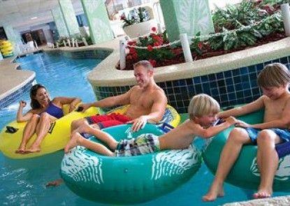 Long Bay Resort Teras