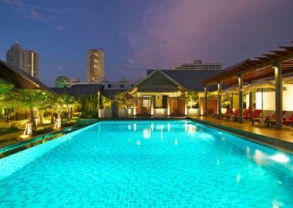 Long Beach Luxury Villas