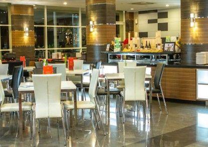 Lorin Sentul Hotel Rumah Makan