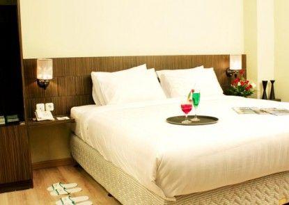 Lorin Sentul Hotel Kamar Tamu