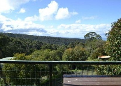 Lorne Cottages Ocean Views - Log Fires & Spas