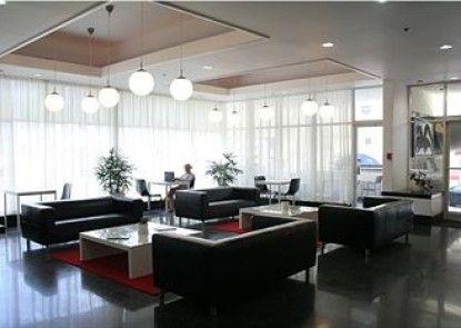 Lorraine Hotel Teras