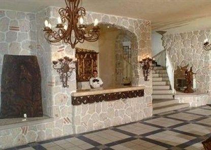 Los Arcos Suites