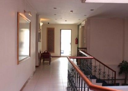 Losari Blok M Hotel Jakarta Interior