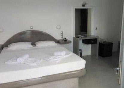 Loucas Hotel