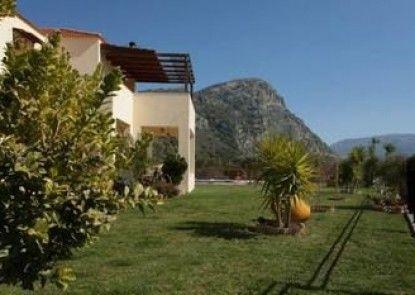 Louloudis Villa