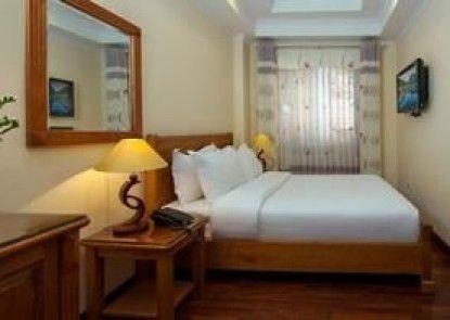 Lucky 3 hotel