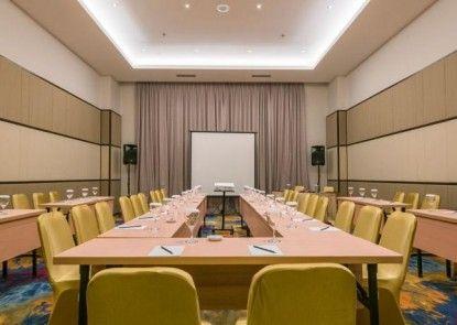 Luminor Hotel Pecenongan Jakarta Ruangan Meeting